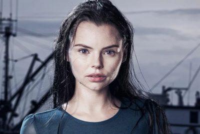 Eline Powell lips body measurements botox