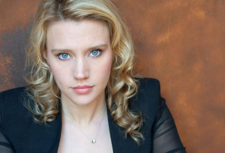 Kate McKinnon nose job lips facelift